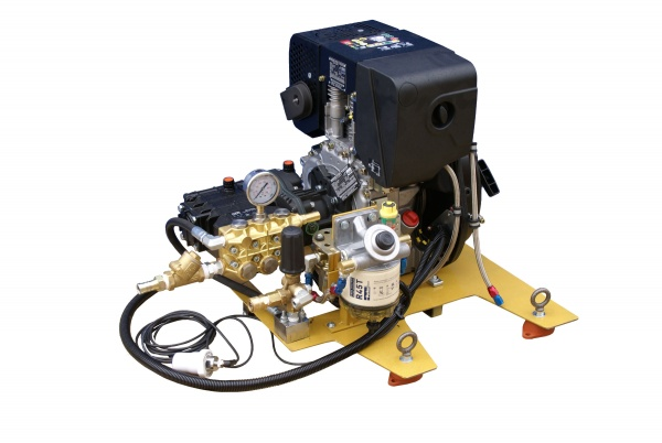 Mining industry pressure washer for cleaning drilling nozzles